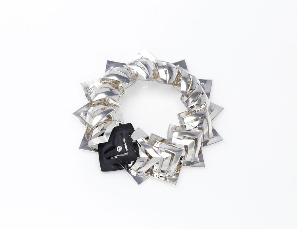 3-18_Jewellery_GSM_04-Stricker