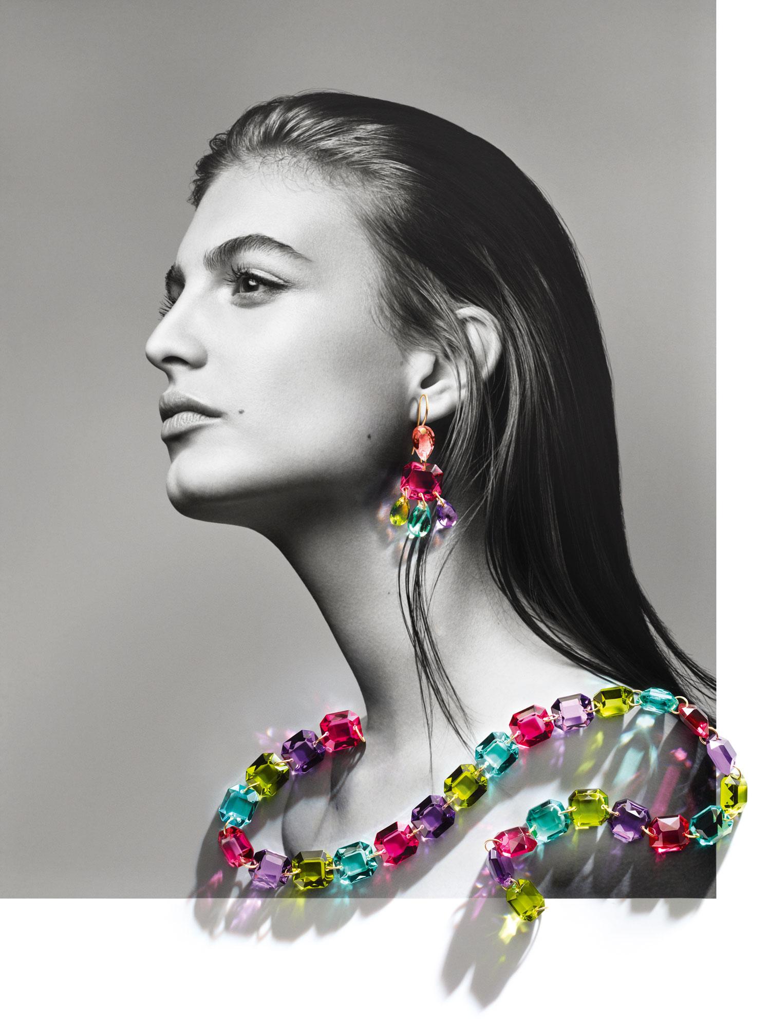 003-collier-multicolore-et-boucles-chandelier-de-Taillac