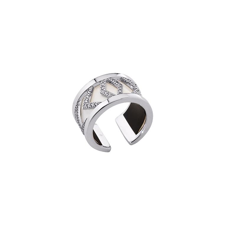 1-18_CS_Les-Georgettes_Les-Précieuses_Ring_Design-Chevron-Silver-finish-Ring
