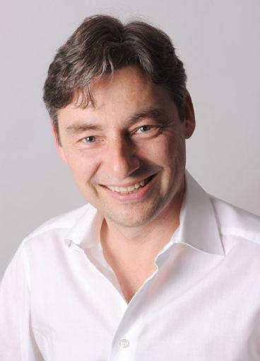 Inhaber Silhouette Schmuck - Arnd Bentner