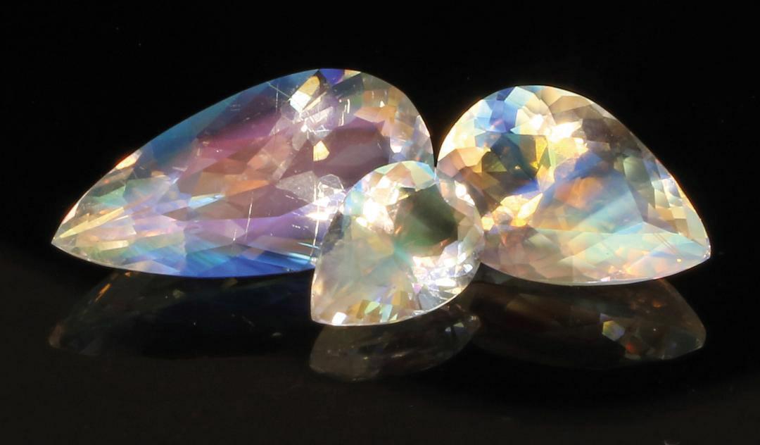 2-19_Stones_Tucson_Aurora-Labradorite-Malawi