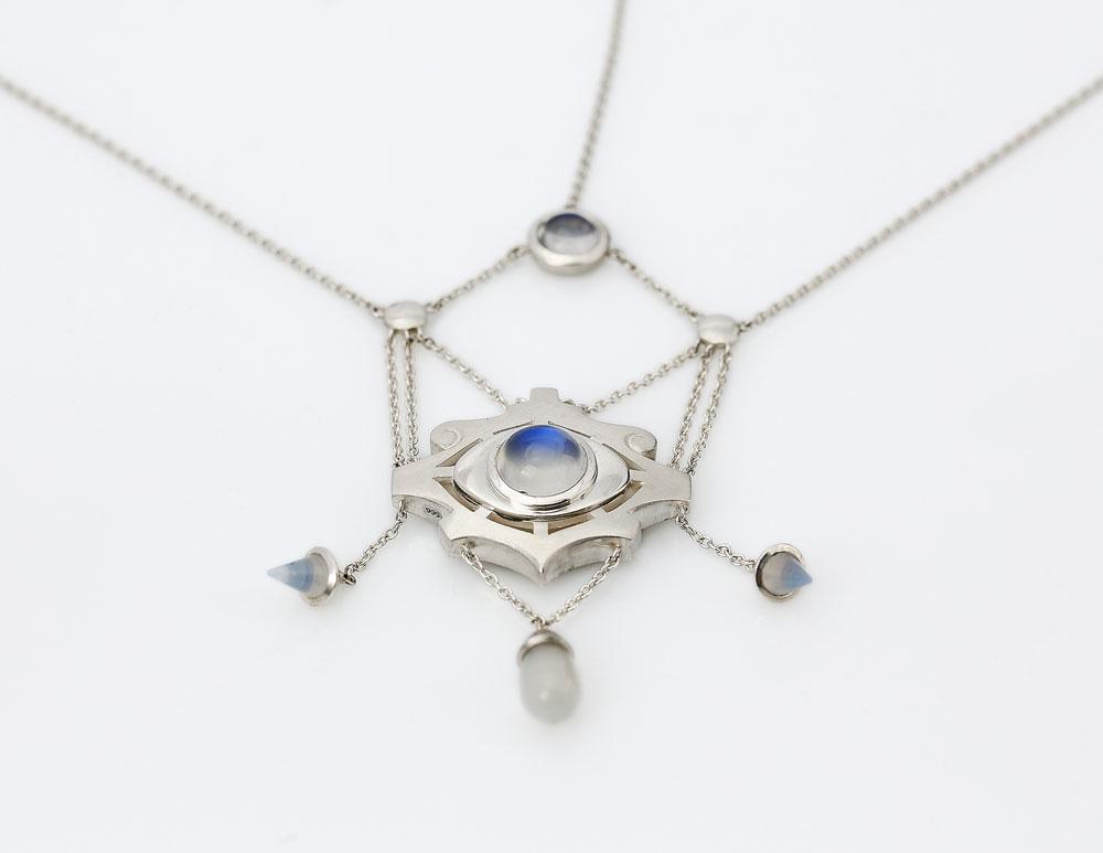 4-19_Jewellery_GSM14-Suter