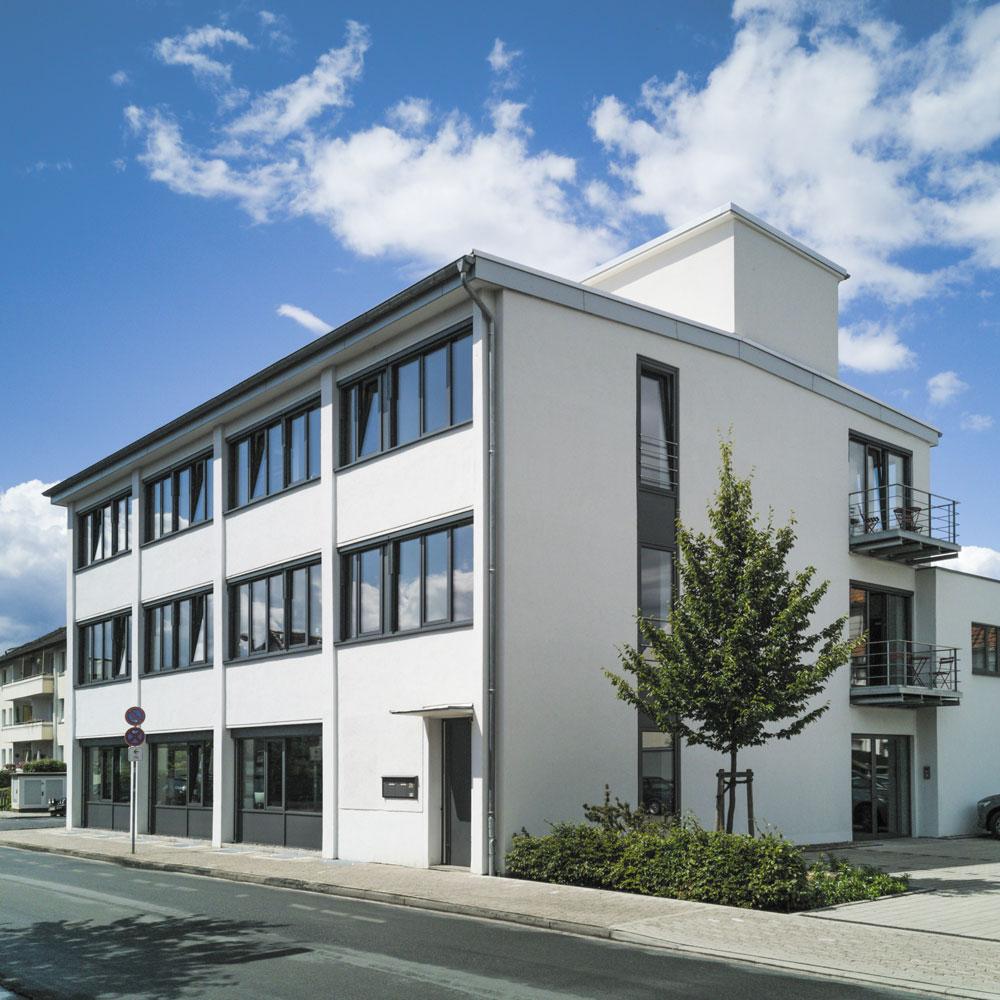 7-2020_Jewellery_Manu_Firmensitz_211-MANU-Schmuck-Standort-Gebäude-Hameln