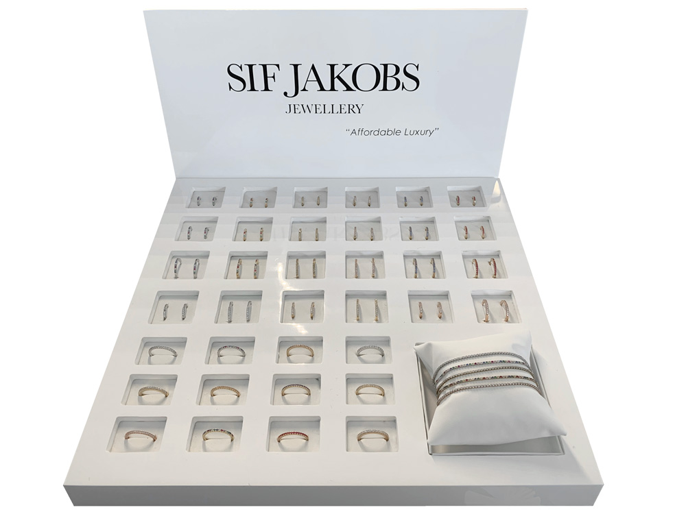 8-2020_Jewellery_Sif-Jakobs_Ellera-Display