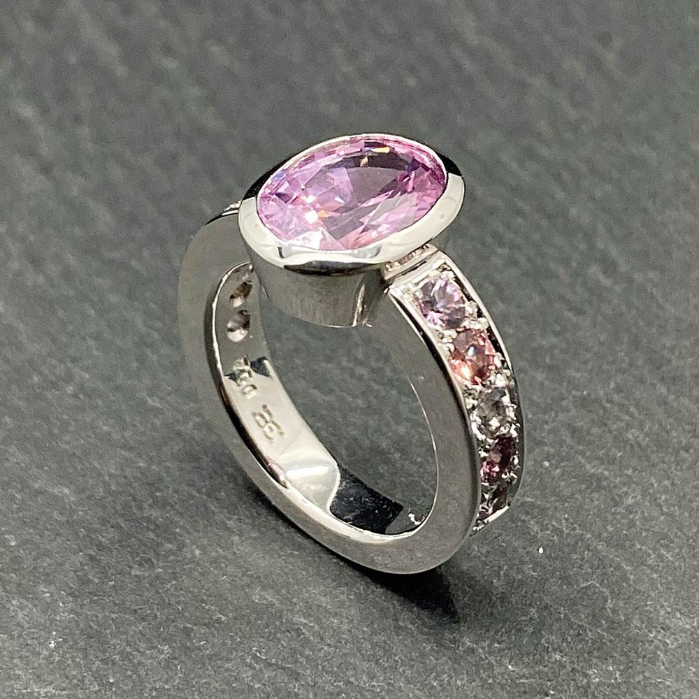 6-2021-Jewellery_Derks-u-Eichmann-Ring-1