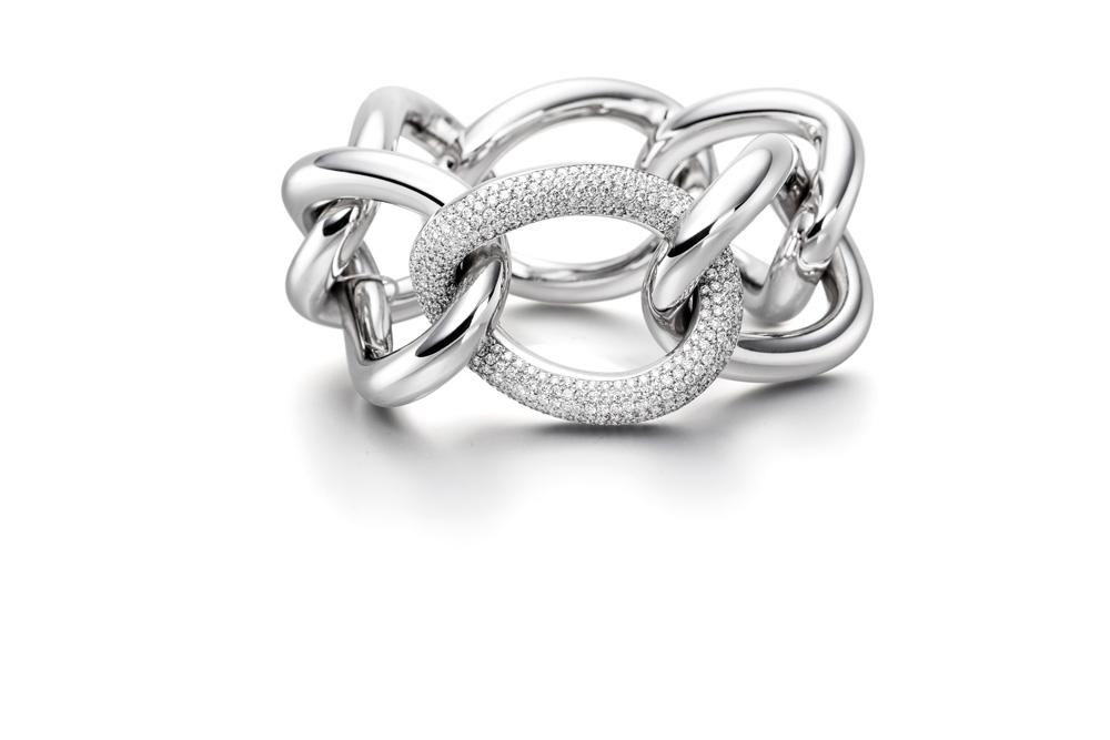 7-2021_Stones_GemGenève_Isabelle-Fa_Bracelet-Grac-e-39-Pave-6,66-ct.-Diamonds-White-Gold