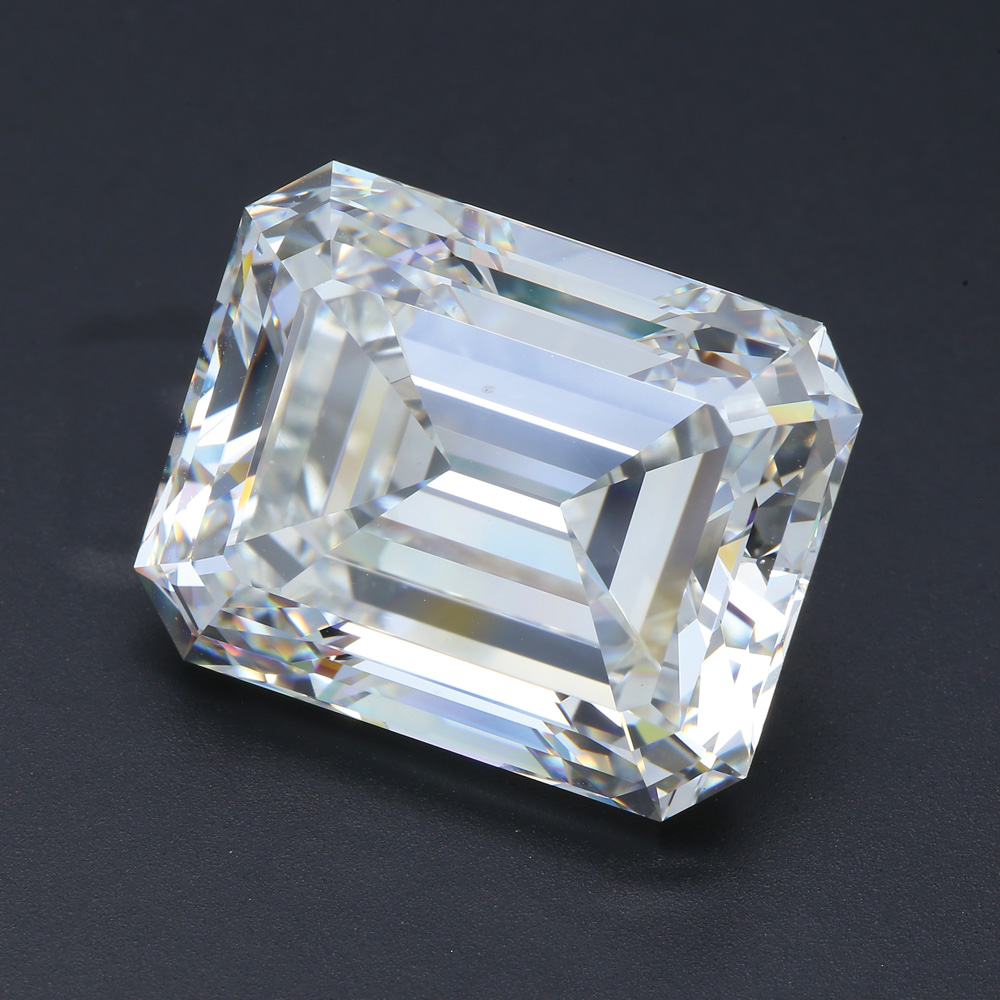 7-2021_Stones_GemGeneve_Eshed_Eshed-Diam---2-8ct-Emerald-cut-Diamond-I-VS2-GIA